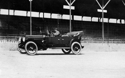 1915 Packard 6 driven by Carl G. Fisher