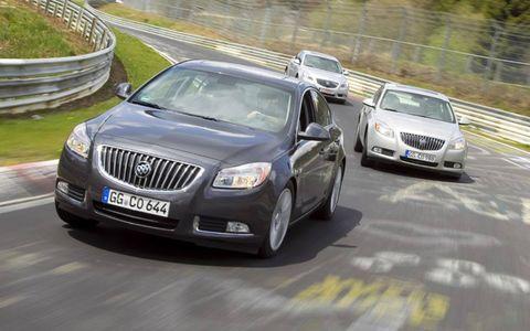 Motor vehicle, Mode of transport, Road, Vehicle, Land vehicle, Infrastructure, Car, Automotive design, Transport, Vehicle registration plate,