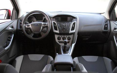 2012 Ford Focus SE 5-Door Hatchback