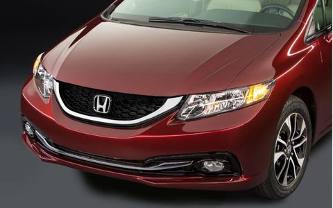 The 2013 Honda Civic EX-L receives an EPA-estimated 28 mpg city and 39 mpg highway.