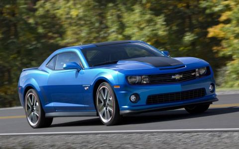 The 2013 Chevrolet Camaro SS Hot Wheels Edition comes with Hot Wheels emblems placed all over the interior and exterior of the cars.