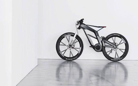 Bicycle wheel rim, Wheel, Bicycle tire, Bicycle wheel, Rim, Bicycle part, Bicycle frame, Bicycle accessory, Bicycle fork, Spoke,