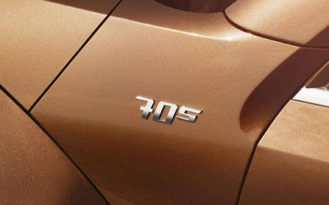 The 2.5 I5 pumps out 170 hp and 177 lb-ft of torque, mated to a six speed automatic