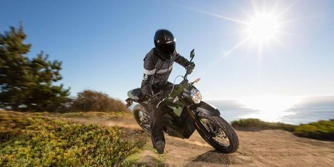 The 2013 Zero DS electric motorcycle isn't just a novelty -- it can hold its own against conventional internal-combustion bikes.