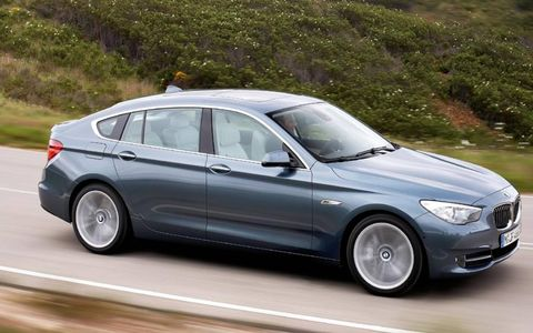 Tire, Wheel, Mode of transport, Vehicle, Land vehicle, Automotive design, Car, Rim, Alloy wheel, Spoke,