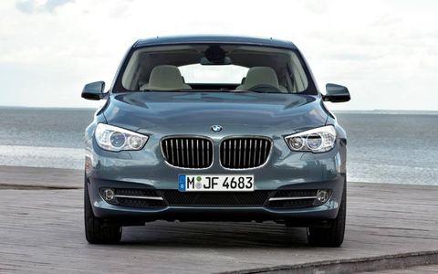 Motor vehicle, Mode of transport, Automotive design, Automotive exterior, Automotive mirror, Vehicle, Hood, Vehicle registration plate, Automotive lighting, Land vehicle,