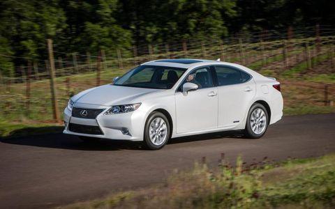 The 2013 Lexus ES300h hybrid compliments the conventional ES350