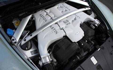 Engine, Luxury vehicle, Personal luxury car, Kit car, Performance car, Hood, Automotive engine part,