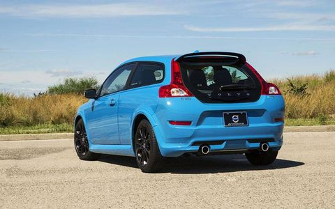 The C30 Polestar Edition comes with a turbo 2.5L I-5 engine pumping out 250 hp and 273 lb-ft of torque