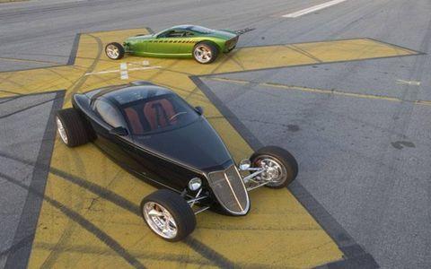 Tire, Motor vehicle, Wheel, Mode of transport, Automotive tire, Automotive design, Vehicle, Automotive wheel system, Rim, Alloy wheel,