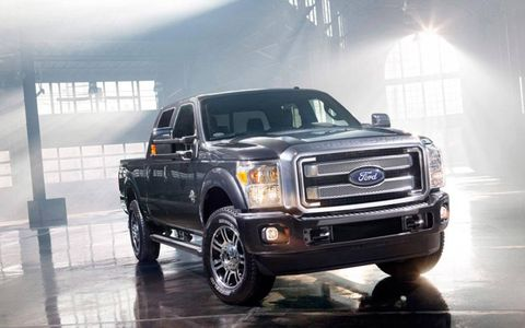 The 6.7-liter turbocharged diesel V-8 pumps out 400 hp and a whopping 800 lb-ft of torque