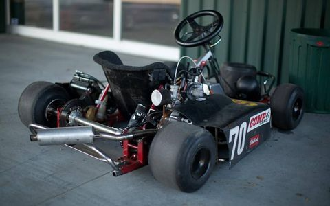 Tire, Wheel, Automotive tire, Automotive design, Open-wheel car, Automotive wheel system, Rim, Motorsport, Fender, Asphalt,