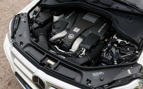 The people hauler will pack a biturbo 5.5-liter V8 rated at 550 hp and 560 lb-ft of torque.