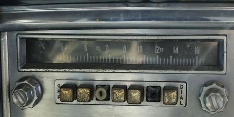 1954 Chrysler Windsor radio with CONELRAD frequency indicators