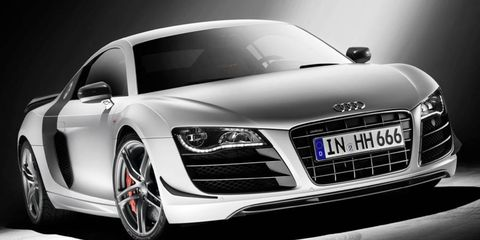 Automotive design, Vehicle, Land vehicle, Grille, Automotive lighting, Car, Headlamp, Personal luxury car, Automotive exterior, Hood,