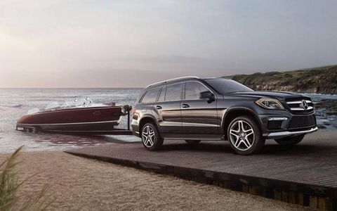 The GL550 is able to tow 7,500-lbs