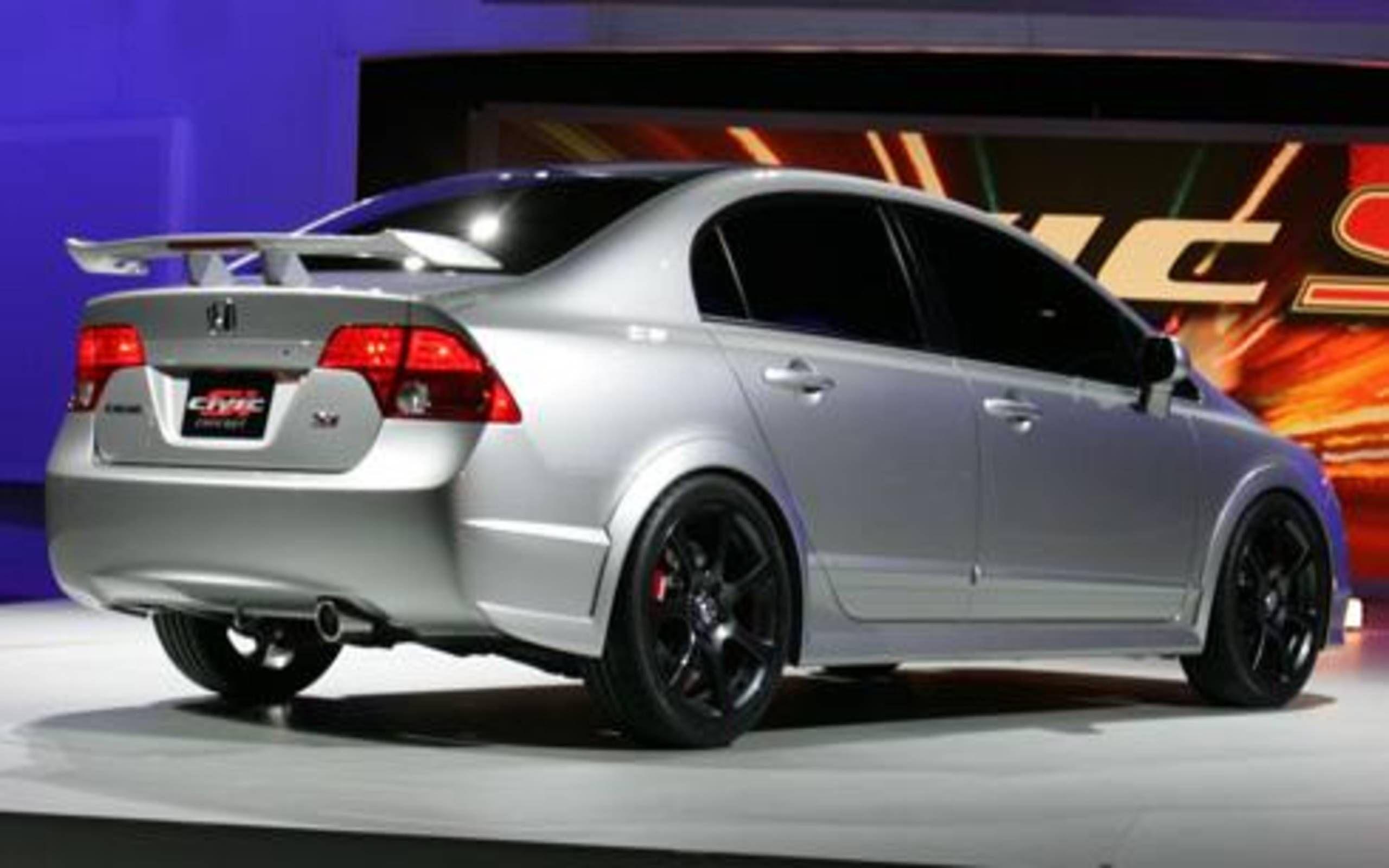 4 Door Fun Honda Expands Si Lineup With Civic Sedan For 2007