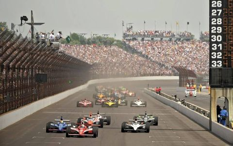 The start of the centennial Indianapolis 500 on May 29. Photo by: Walt Kuhn LAT Photographic