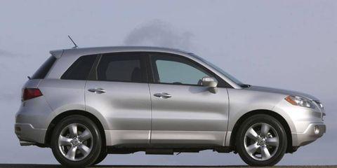 Tire, Wheel, Automotive design, Vehicle, Land vehicle, Automotive tire, Car, Rim, Automotive lighting, Glass,