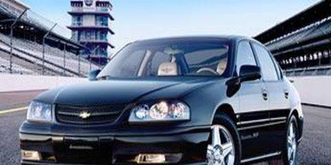 Automotive design, Daytime, Vehicle, Transport, Automotive mirror, Automotive lighting, Infrastructure, Car, Headlamp, Rim,