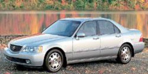 Tire, Wheel, Vehicle, Land vehicle, Glass, Car, Infrastructure, Rim, Alloy wheel, Hood,
