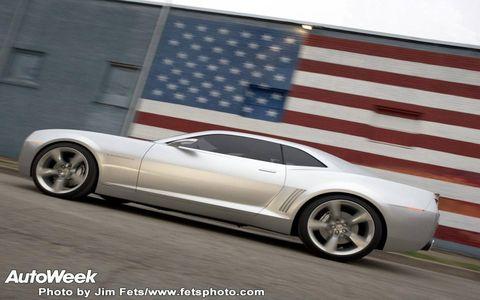 Tire, Wheel, Motor vehicle, Automotive design, Alloy wheel, Vehicle, Automotive tire, Automotive wheel system, Rim, Spoke,