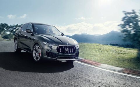 The Levante comes with features like air suspension and the Q4 AWD system, which come as standard equipment, and the high level of customization that includes two cutting-edge packages, Sport and Luxury.