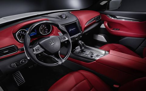 The Levante driver can choose between four drive modes, normal, I.C.E., sport and off-road. Each one constitutes a distinct car character intelligently altering engine, transmission, suspension and electronics features.