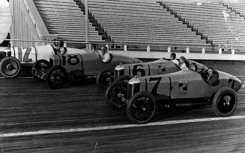 The track covered 275 acres, located where the Beverly Wilshire Hotel now sits. Gaston Chevrolet and Barney Oldfield raced.