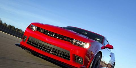 Chevy's 2014 Chevrolet Camaro Z/28 weighs 300 pounds less than the more powerful ZL1.