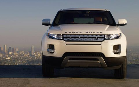 The 2013 Range Rover Evoque is equipped with a 2.0-liter turbocharged I4.