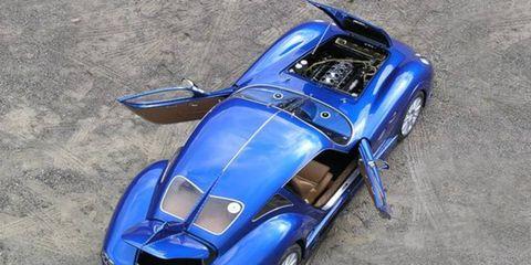 Tire, Automotive design, Blue, Vehicle, Automotive tire, Car, Automotive wheel system, Rim, Alloy wheel, Fender,