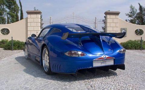 Tire, Wheel, Mode of transport, Automotive design, Vehicle, Automotive tire, Automotive parking light, Automotive lighting, Automotive mirror, Headlamp,