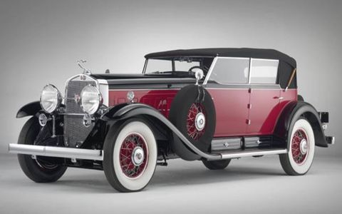 A true collector's car, the outstanding 1931 Cadillac V-16 Phaeton with one-of-a-kind body design and coachwork by Murphy was won with a bid of $1,056,000.