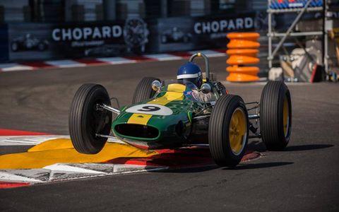 2012 MONACO: 1962 Lotus 25.