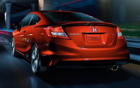 The 2013 Honda Civic Si Coupe receives an EPA-estimated 21 mpg in the city and 31 mpg on the highway.