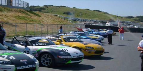 Motor vehicle, Automotive design, Vehicle, Performance car, Car, Hood, Sports car, Automotive wheel system, Logo, Headlamp,