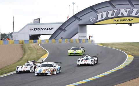 Automotive tire, Race track, Vehicle, Automotive design, Land vehicle, Motorsport, Sport venue, Car, Asphalt, Sports car racing,
