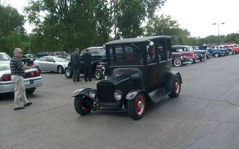 Members of Motor City Hot Rods and their cars gathered recently to salute Fred Dudek, a member who died suddenly.