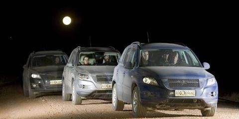 Automotive design, Vehicle, Automotive mirror, Land vehicle, Automotive lighting, Car, Headlamp, Automotive parking light, Fender, Full-size car,