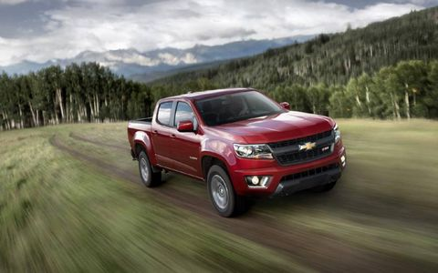 The 2015 Chevy Colorado gets either a six-speed automatic or a six-speed manual.
