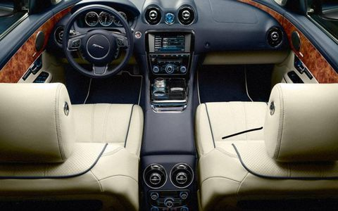 The interior was comfy, well built and is everything we come to expect from Jaguar