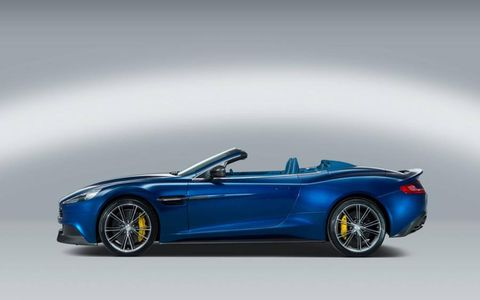 The convertible top of the 2014 Aston Martin Vanquish Volante is made of lightweight fabric.