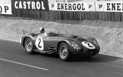 The Maserati 450S Spyder of Andre Simon and Jean Berha (inspiration for AW's helmet logo).