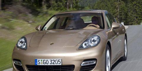 Mode of transport, Automotive design, Vehicle, Land vehicle, Hood, Performance car, Transport, Headlamp, Car, Rim,