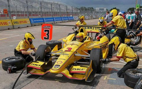 Helio Castroneves, who is second in the IndyCar Series points, finished ninth in Saturday's race on the streets of Houston.