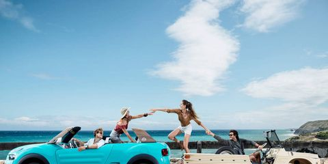 Just a bunch of millennials having carefree, spontaneous fun in cars!