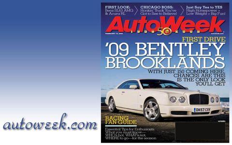 Motor vehicle, Tire, Automotive design, Automotive lighting, Hood, Car, Automotive exterior, Automotive parking light, Headlamp, Fender,