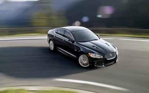 Tire, Road, Automotive mirror, Automotive design, Mode of transport, Vehicle, Infrastructure, Asphalt, Car, Road surface,