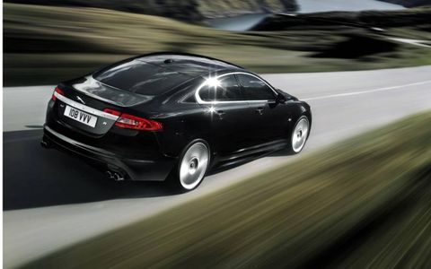 Mode of transport, Automotive design, Vehicle, Infrastructure, Transport, Car, Road, Automotive lighting, Vehicle registration plate, Personal luxury car,
